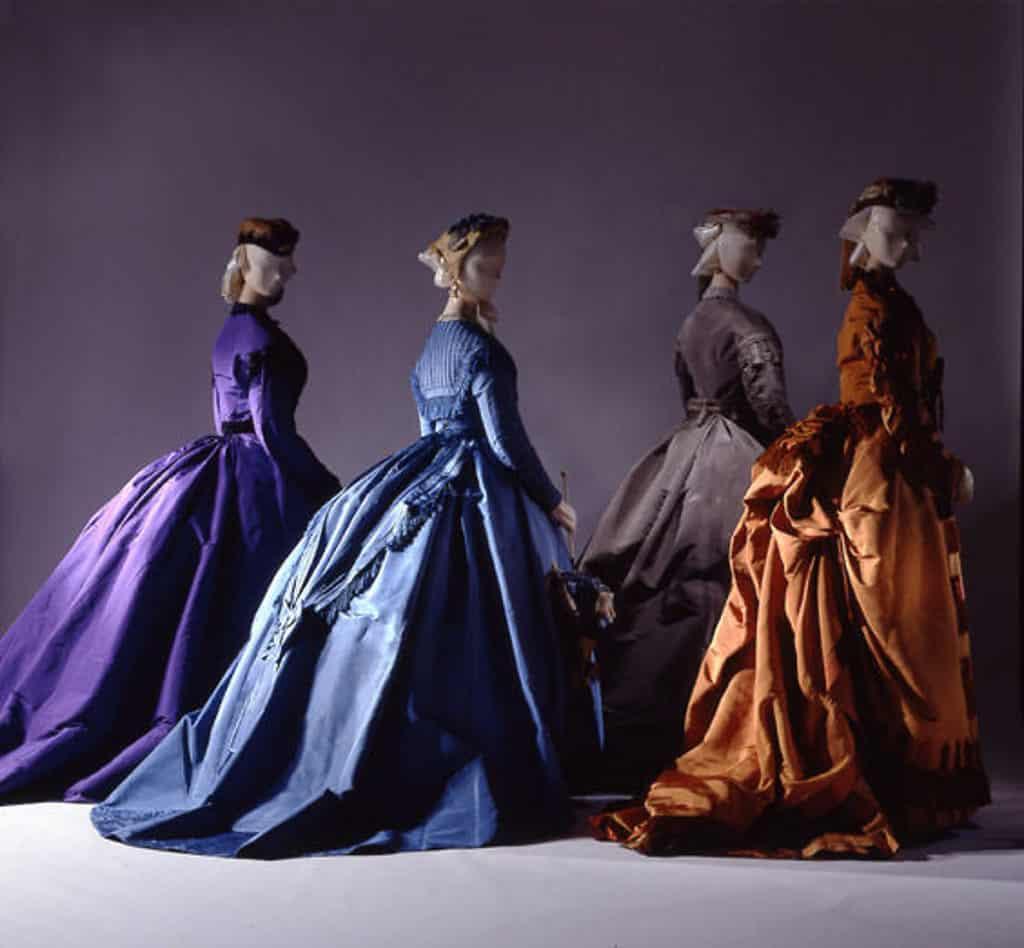 אוסף שמלות קרינולינה משנת 1867, מוזיאון מטרופוליטן