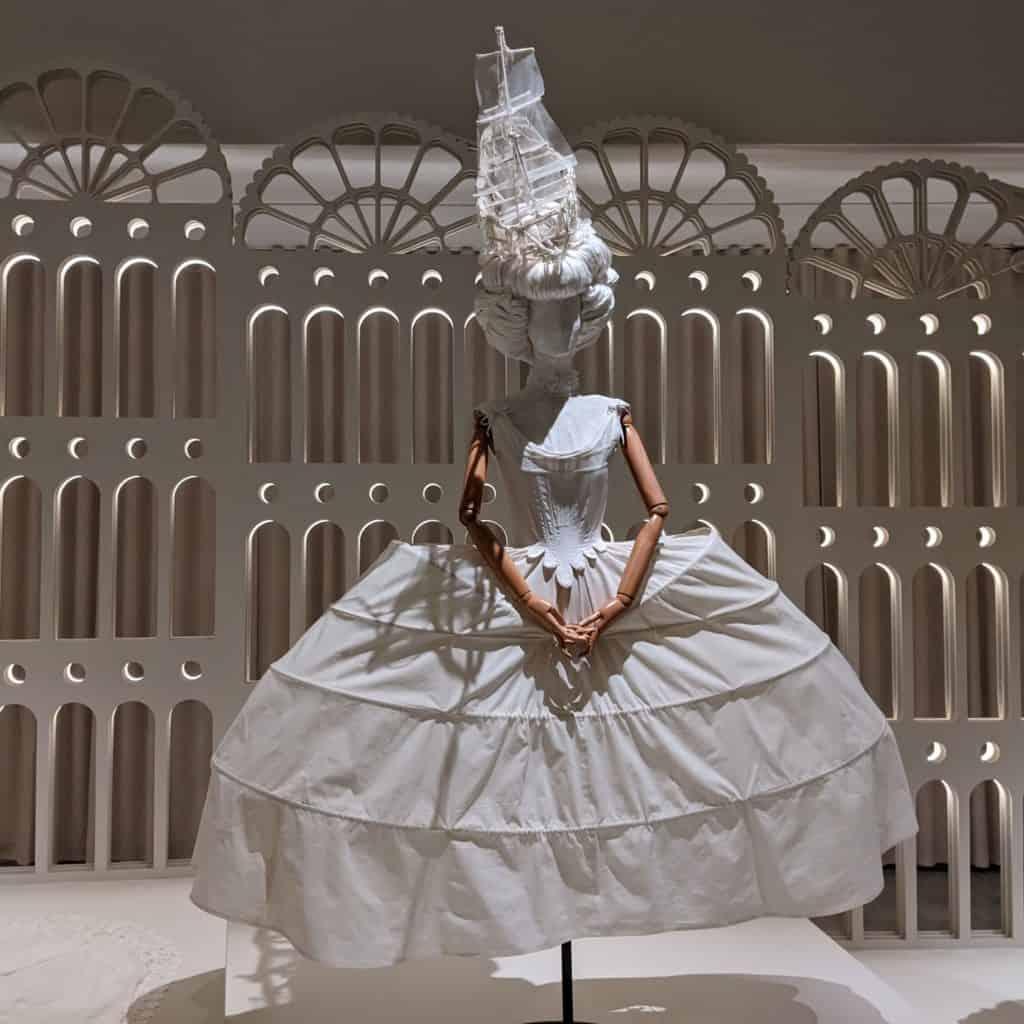 """""""הנשף"""" מוזיאון העיצוב חולון"""