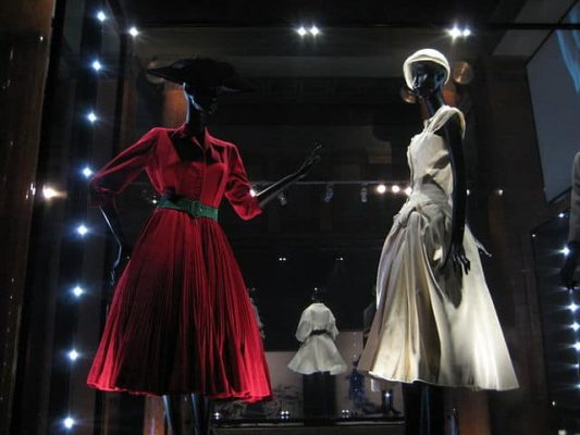 Christian_Dior_(Moscow_exhibition,_2011)